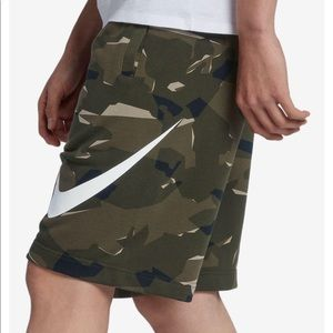 ‼️NWT Nike camo shorts french terry